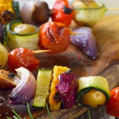 Gegrillte Gemüse-Spieße