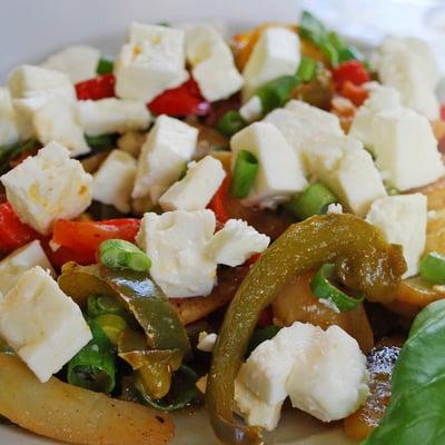 Griechische Gemüsepfanne mit Feta